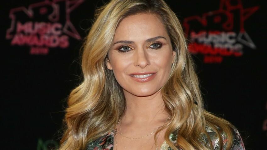 Clara Morgane se métamorphose et passe aux cheveux courts et blonds platine ultra sexy