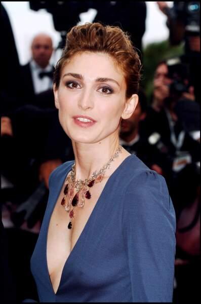 Avec un make-up glamour en 2006
