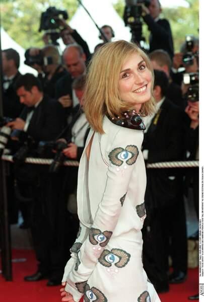 Avec un blond doré en 2002