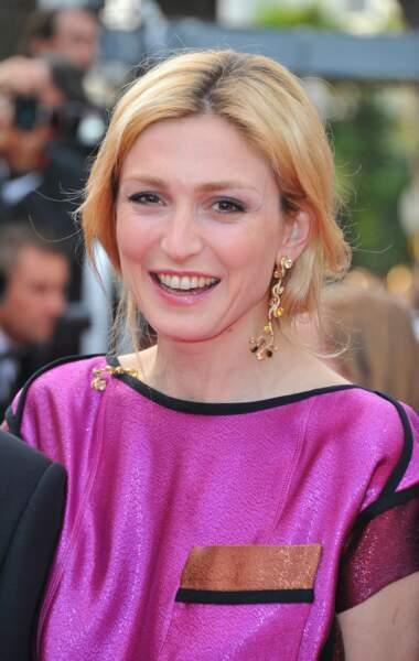 Avec un blond doré en 2011