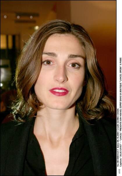 Avec un rouge intense en 2004