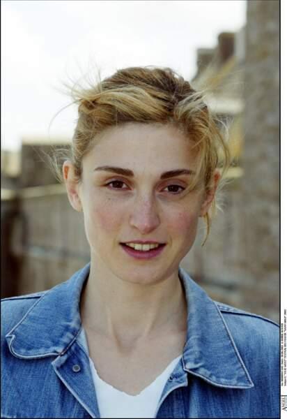 Avec les cheveux blonds en 2002