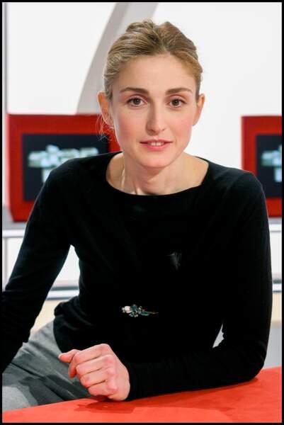 Avec un maquillage minimaliste en 2005