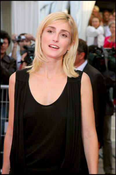 Avec un blond platine en 2006