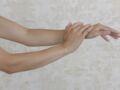 Poils sur les bras : on les assume ou pas ? Nos conseils