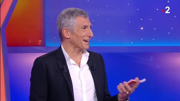 """Nagui taquine un employé SNCF à propos de la grève dans """"Tout le monde veut prendre sa place"""""""