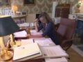 Valérie Trierweiler : ces lettres cruelles qu'elle a reçues lors de son arrivée à l'Elysée