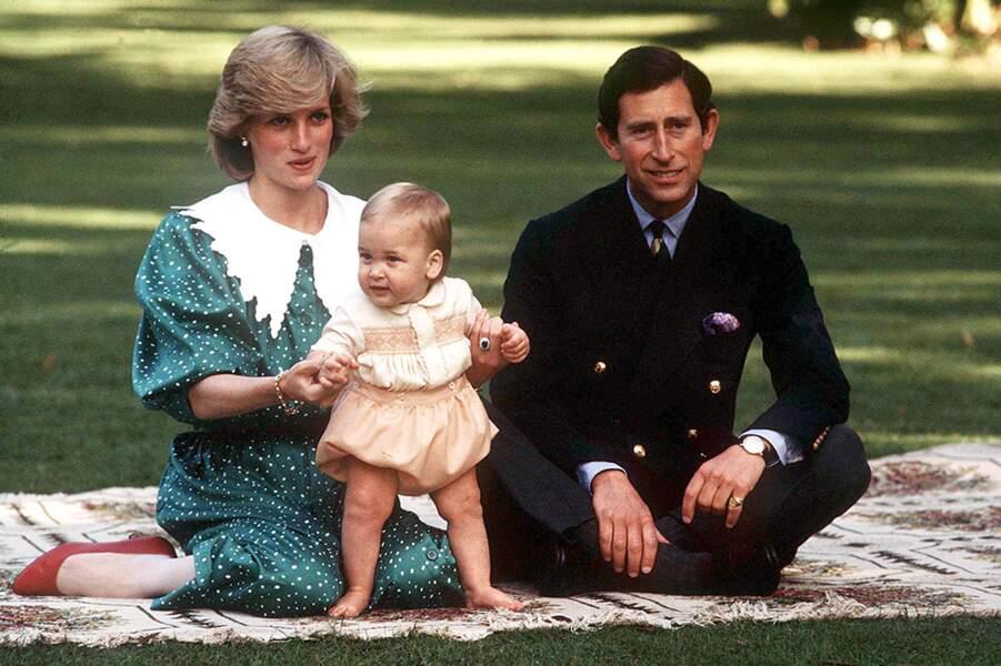 La princesse Diana et le prince Charles avec leur fils William le 14 octobre 1984.