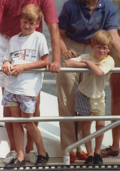 Le prince William et son frère Harry en vacances à Majorque, en Espagne, le 5 février 2001.