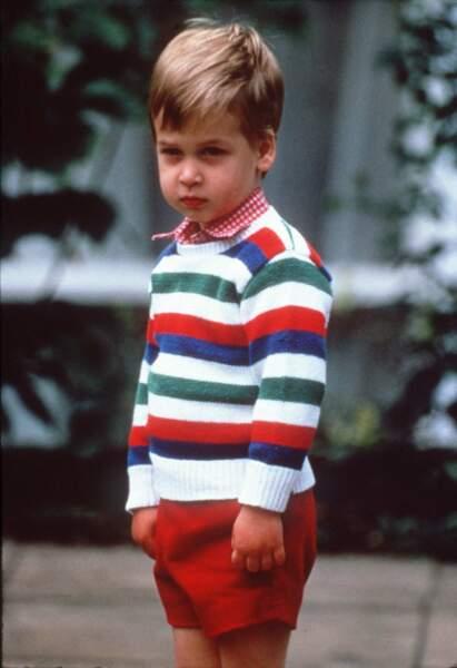 Le prince William lors de son premier jour d'école le 24 septembre 1985 à Londres.