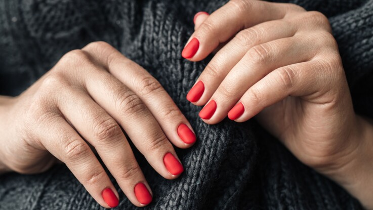 Ongles rouges : quelle teinte selon ma carnation ? Conseils et inspirations repérées sur Instagram