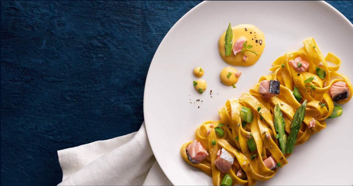 Fettuccine collezione édition gourmet au saumon et asperges vertes