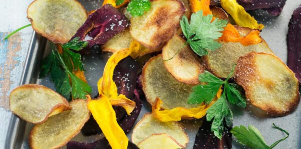 Recette anti-gaspi : comment faire des chips avec des épluchures de légumes ?