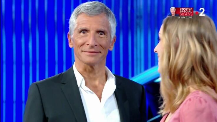 """VIDÉO - Nagui gêné par le sous-entendu très osé de Margaux dans """"N'oubliez pas les paroles"""""""