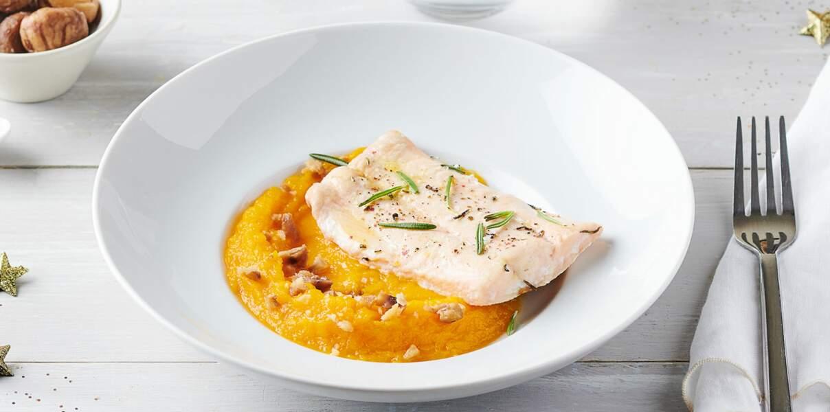 Saumon rose du Pacifique à la vapeur au romarin, purée de potimarron