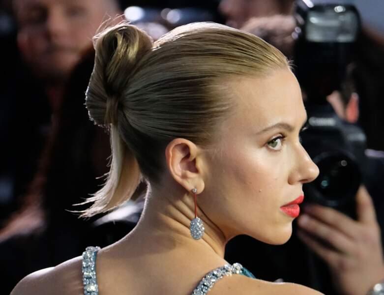 Scarlett Johansson et son chignon original