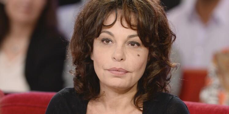 Isabelle Mergault pousse un coup de gueule contre les stars qui n'assument pas avoir recours à la chirurgie esthétique