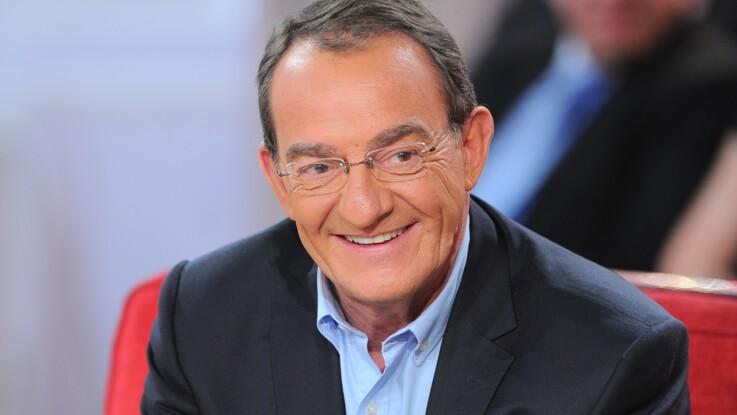 """""""Stars à nu"""" : Jean-Pierre Pernaut recadre sèchement un internaute qui critique l'émission"""