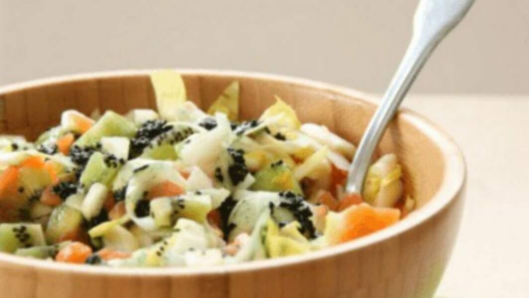 Salade nordique avec une vinaigrette à la spiruline