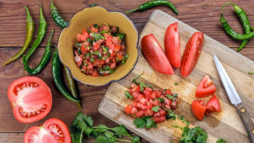 Rougail de tomates aux fines herbes et à la spiruline