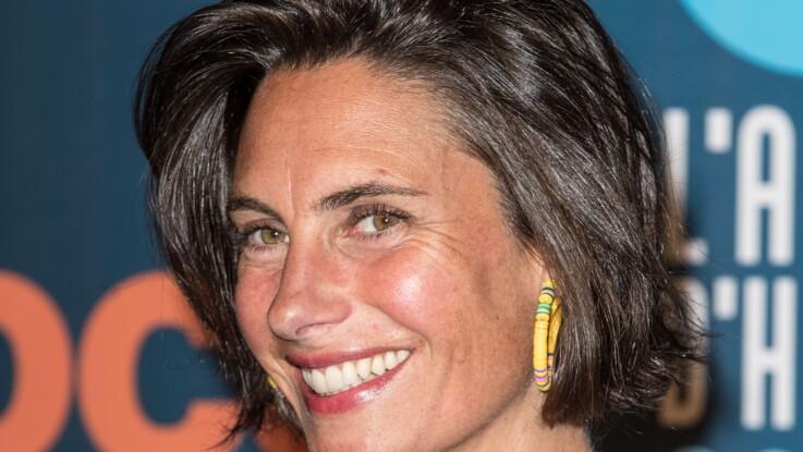 Alessandra Sublet en motarde sexy : coupe courte et sans maquillage, elle affole la Toile