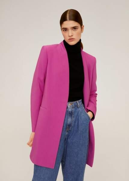 Couleurs tendance printemps-été 2020 : le manteau rose fuchsia