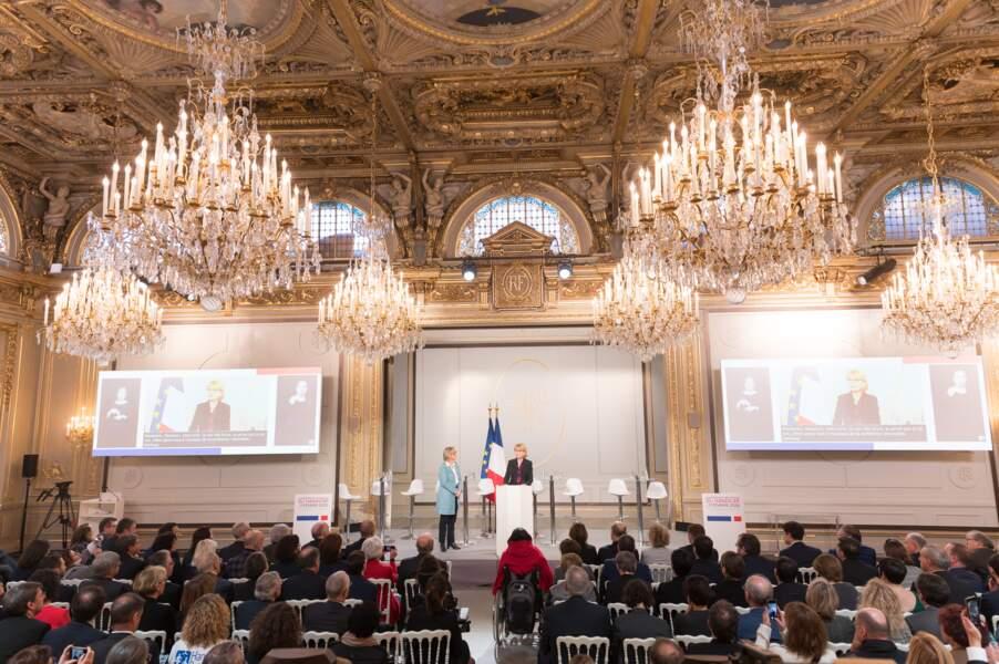Sophie Cluzel, secrétaire d'Etat auprès du Premier ministre, chargée des Personnes handicapées, et Claude Chirac lors de la conférence national du handicap.