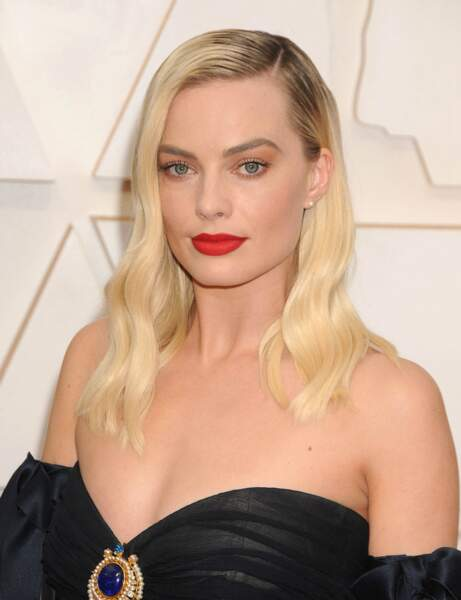 Le mi-long ondulé de Margot Robbie