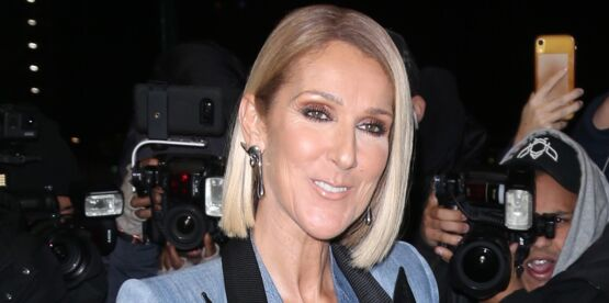 Céline Dion stylée dans un manteau long ultra-flashy (oseriez-vous cette tendance ?)