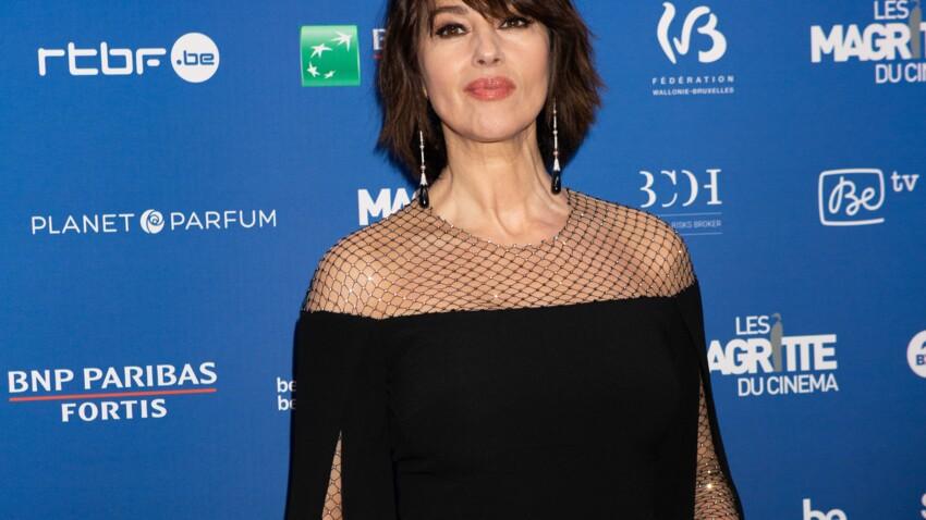 Monica Bellucci plus sexy que jamais, elle confirme la tendance coupe de cheveux de l'année