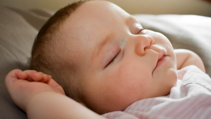 Sommeil de bébé : les signes qui doivent vous alerter