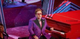Elton John : à bout de forces il interrompt son concert puis révèle être atteint d'une pneumonie