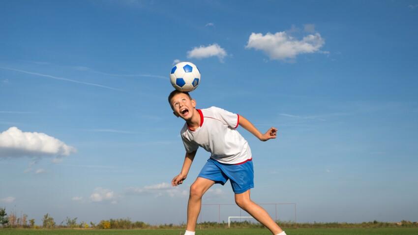 """Football : faut-il interdire les """"têtes"""" aux enfants ?"""