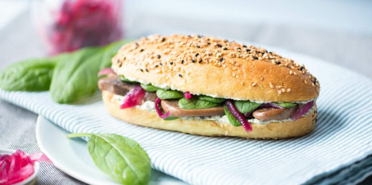 Sandwich aux mini champignon pickles