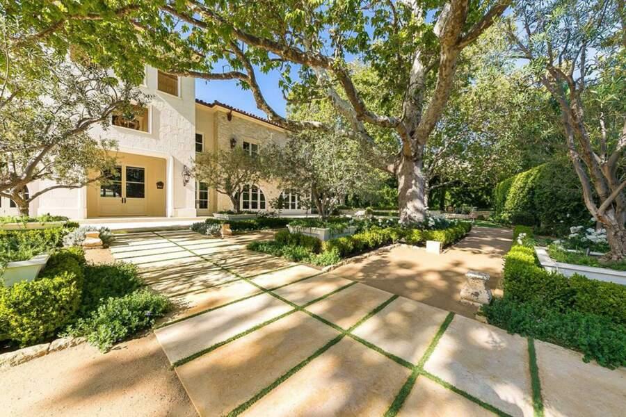 Harry et Meghan envisagent d'acheter cette immense propriété, le Petra Manor, située à Malibu (Californie, États-Unis)