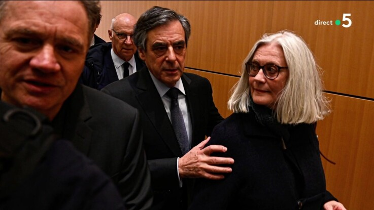 """Vidéo - François Fillon """"anéanti"""" par le témoignage de sa femme Pénélope lors de leur procès"""