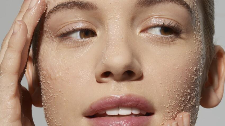 Peeling : quel est ce produit qui resserre les pores de la peau ? Nos préférés