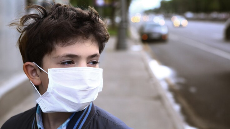 Coronavirus : pourquoi les enfants semblent-ils moins touchés ?