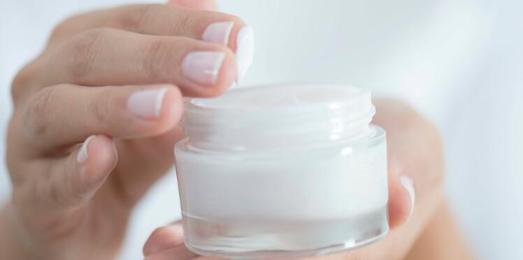 Lire les étiquettes de nos cosmétiques : suivez le guide