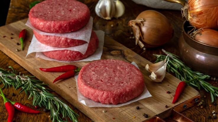 Steaks hachés : 60 millions de consommateurs liste les meilleurs du marché