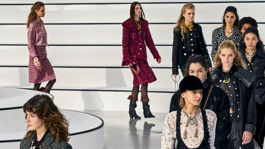 Photos – Chanel casse ses codes et fait défiler un mannequin taille 40 à la fashion week