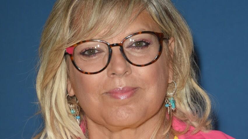Laurence Boccolini rayonnante : elle affiche des yeux de biche avec des cils ultra-longs