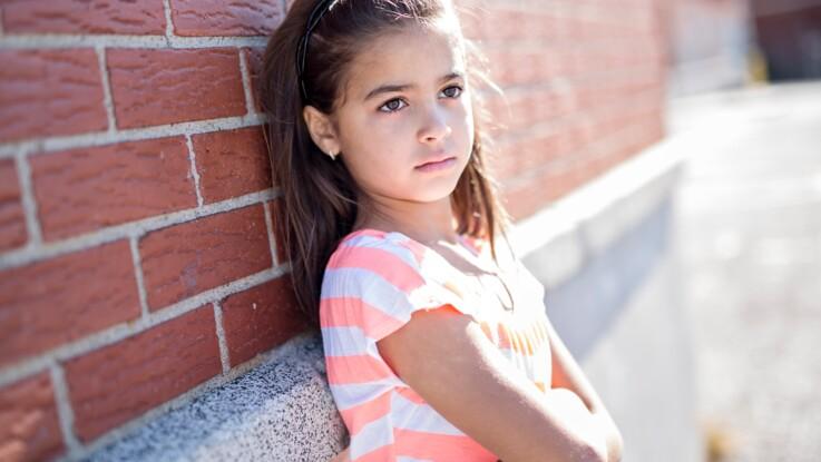 Mon enfant n'a plus de copains, peut-on l'aider ?
