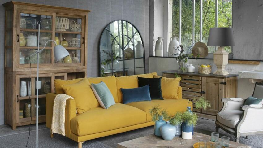 Canapé jaune : comment bien l'assortir ?
