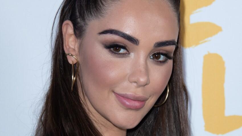 Nabilla ultra-maquillée : highlighter, bouche glossy… elle affiche un maquillage plus glowy que jamais (attention ça brille !)