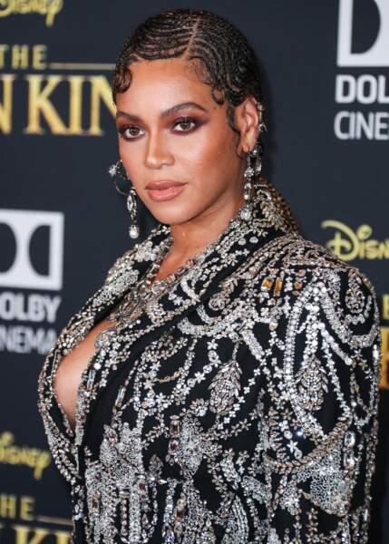 Beyoncé hydrate sa peau sèche avec le baume réparateur Eucerin