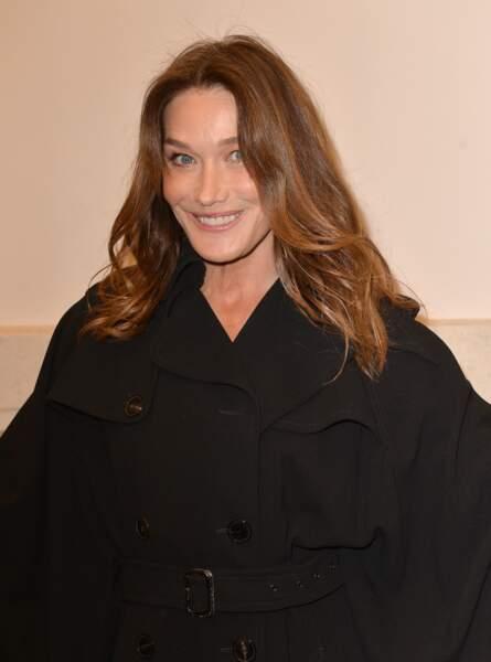 Carla Bruni-Sarkozy unifie son teint avec la CC Crème Erborian