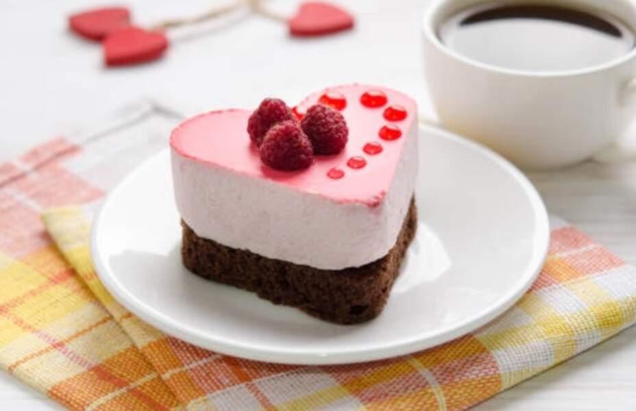 Gâteau aux framboises et boudoirs sans cuisson