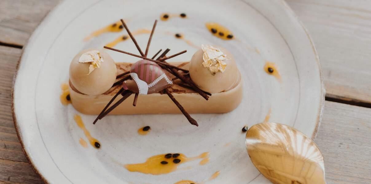 Entremets de Pâques chocolat au lait et passion de Pierre Augé
