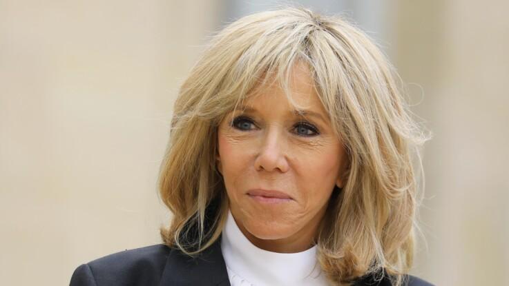 Photos – Brigitte Macron ultra-chic à l'Élysée : elle ose une blouse aussi bien élégante qu'inhabituelle !